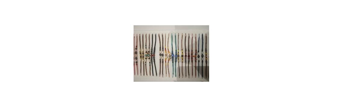 Bracelets porte-bonheur en macramé