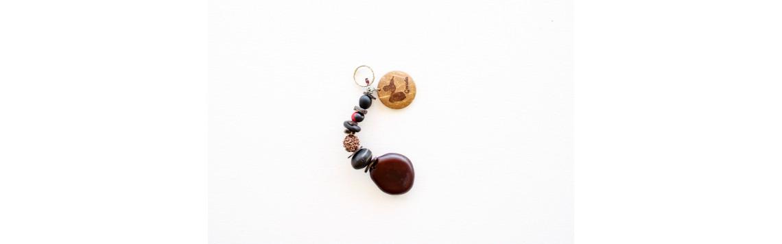 Porte clés en graines naturelles